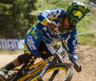 Sam Hill competes in the 2015 MTB race in Lenzerheide.