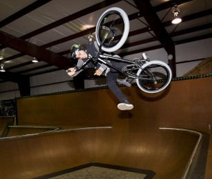 Kevin Peraza competes in the 2015 Recon Tour Championship.
