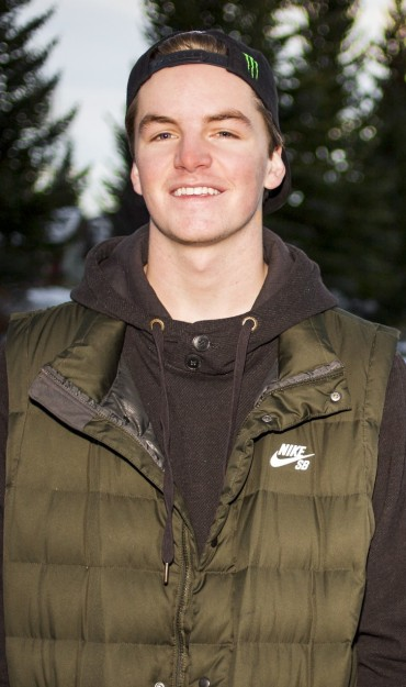 Evan McEachran competes in the 2015 Winter Dew Tour.