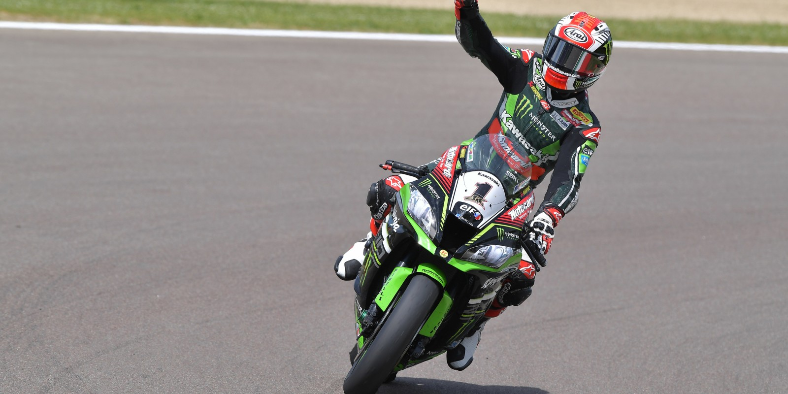 Jonathan Rea in action at Imola for the fourth round of 2016 WorldSBK