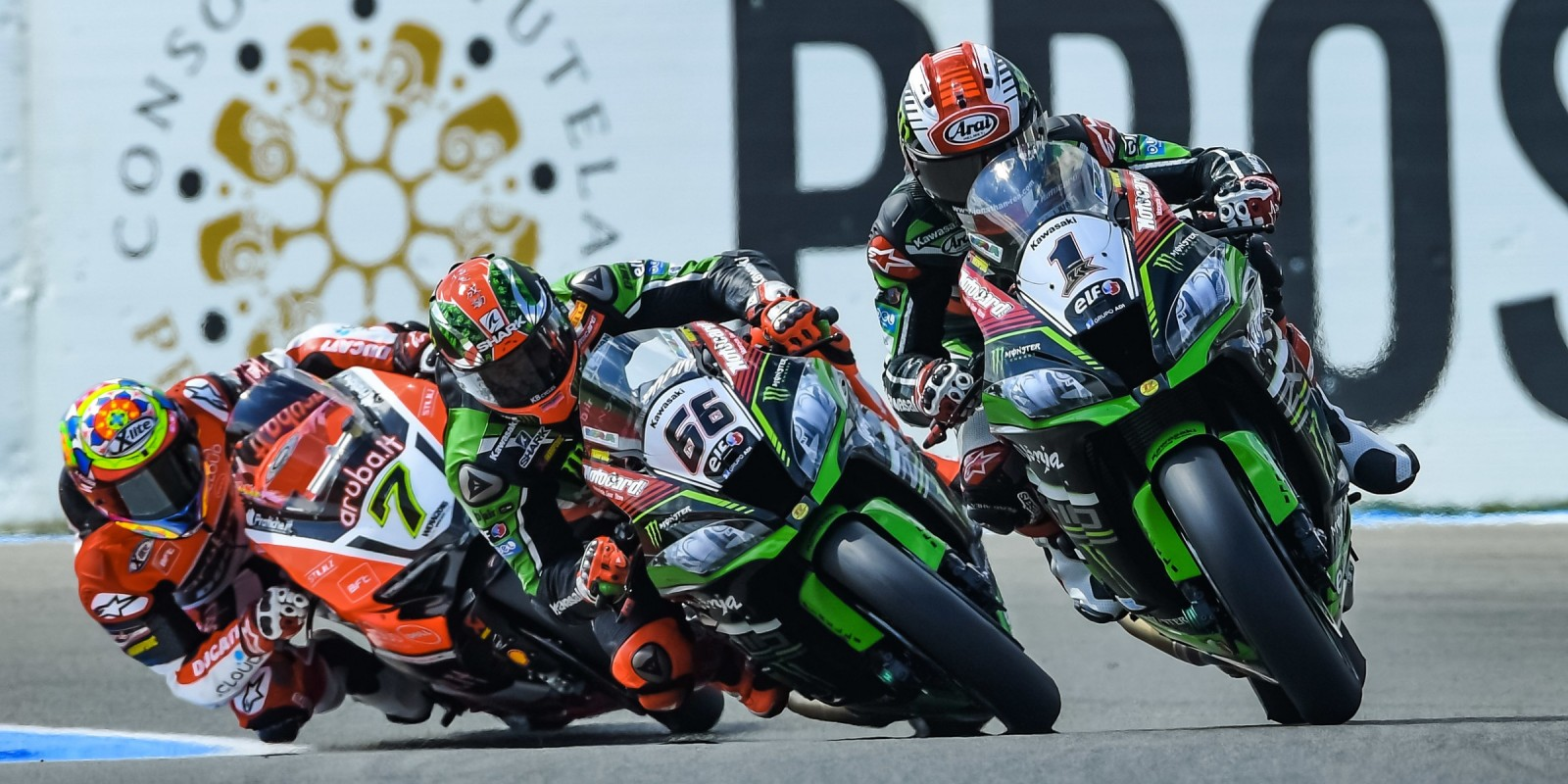 Tom Sykes and Jonathan Rea at the 2016 World Superbike Dutch round