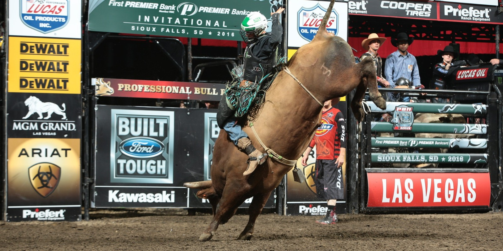 Gage Gay rides during the Sioux Falls Built Ford Tough Series