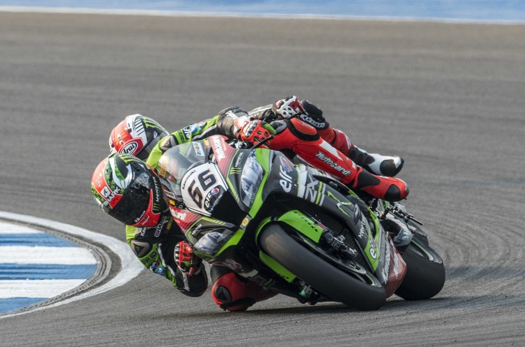 Tom Sykes and Jonathan Rea at the 2016 World Superbike Thailand round
