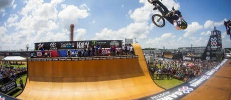Jamie Bestwick compete in the 2015 BMX Vert competition at X-Games.