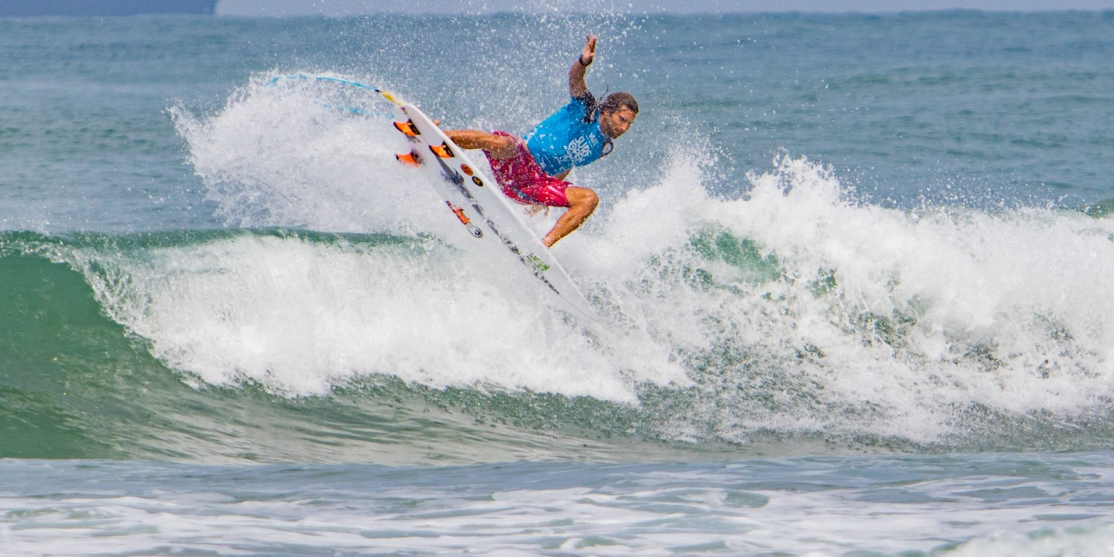 Dylan Southworth winning 3rd place at VANS Surf Open Acapulco