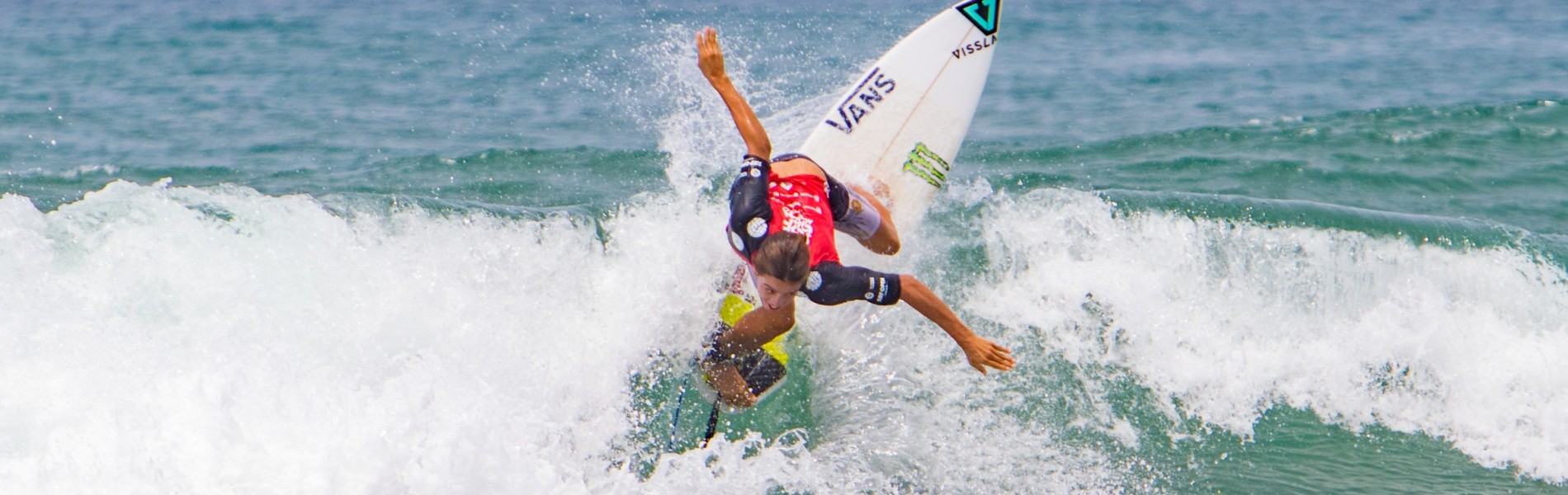 Jhony Corzo won 3rd place at VANS Surf Open Acapulco