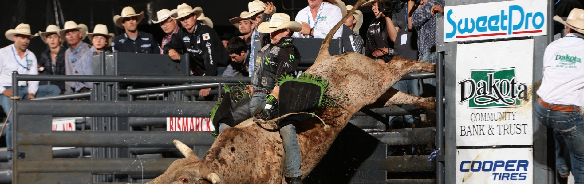 Chase Outlaw during the championship round of the Bismarck Blue Def Velocity tour PBR