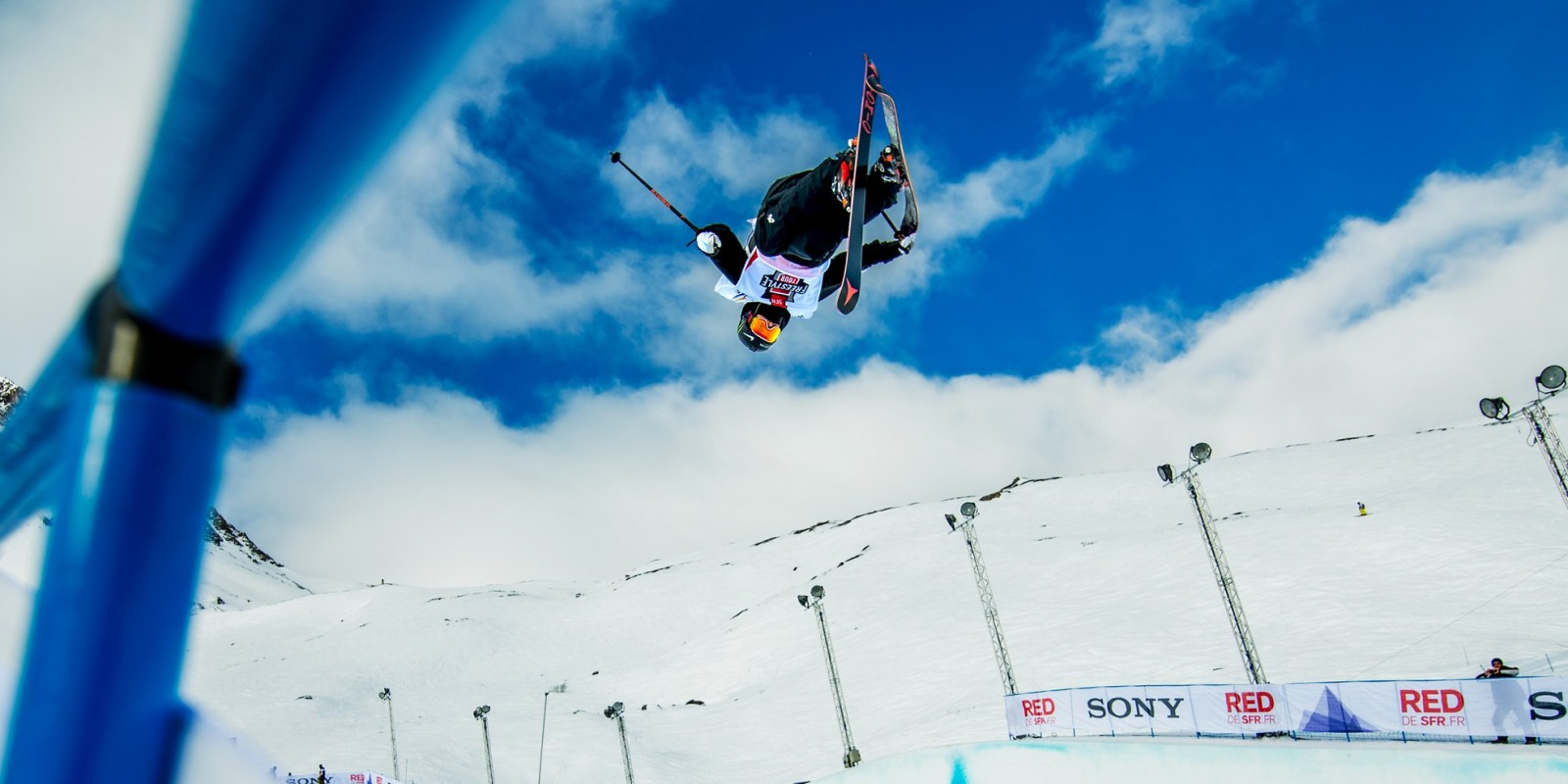 Gus Kenworthy competes in the 2015 World Cup Halfpipe Finals.
