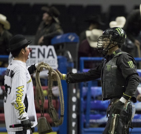 Bull Riding serial, Cuernos Chuecos landed at Mexico City and Gustavo Pedrero (Monster Energy rider) attended.