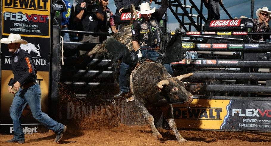 EMOTIONAL MARCHI CLAIMS FIRST PBR WIN OF 2016 in Thackerville, Oklahoma