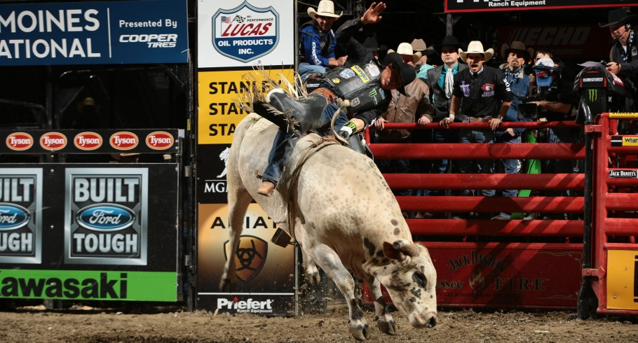 Monster athlete Robson Palermo competes in the 2015 PBR season.