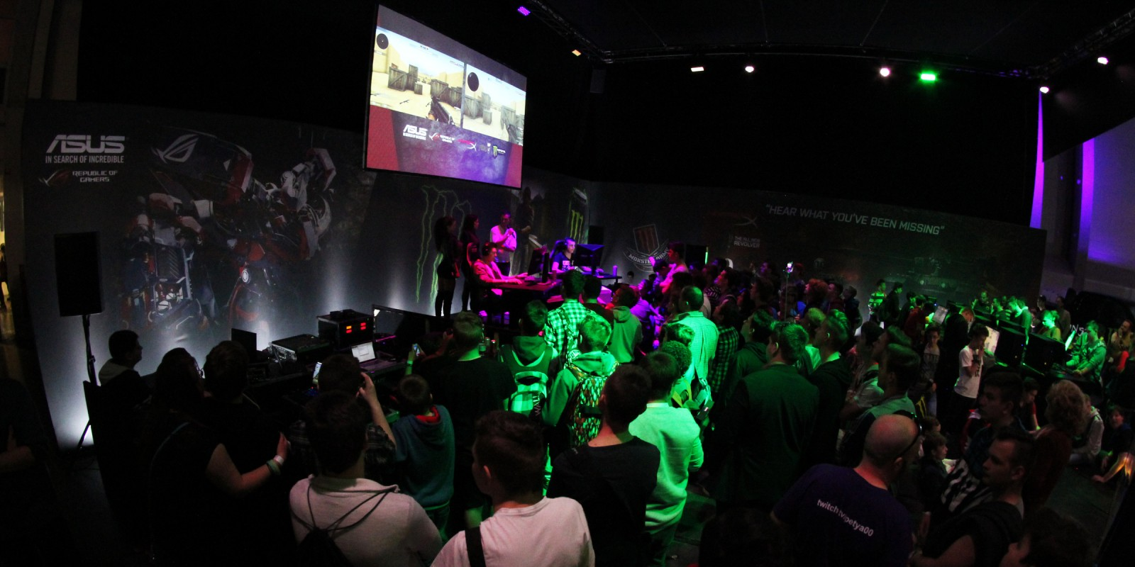 Pro Gaming 2016 - PlayIT event at Budapest, Hungary - Monster lounge