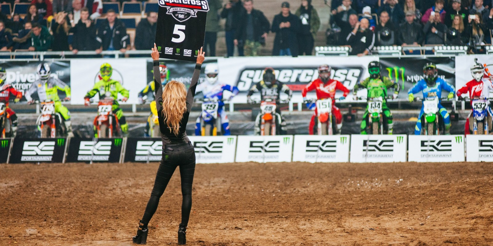 Supercross King of Poland 2016 - Monster Girls presenting timing boards