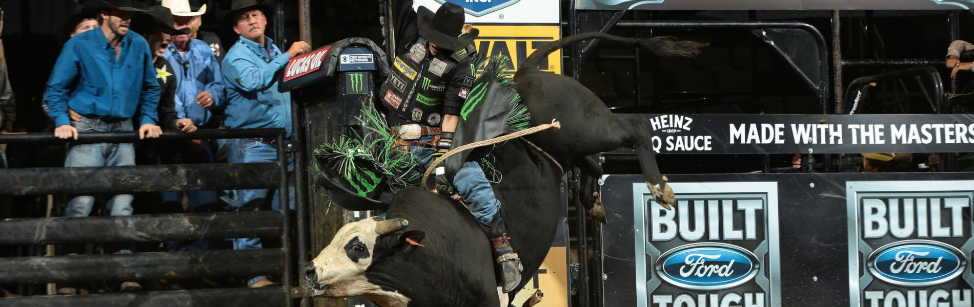 JB Mauney rides D&H Cattle/Craig Moore's Lifting Lives for 86.5 during the Championship round of the San Jose Built Ford Tough series PBR
