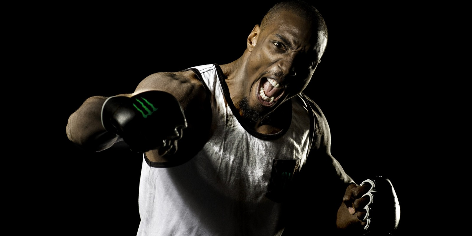 Phil Davis's photoshoots for the upcoming Bellator 163 fight