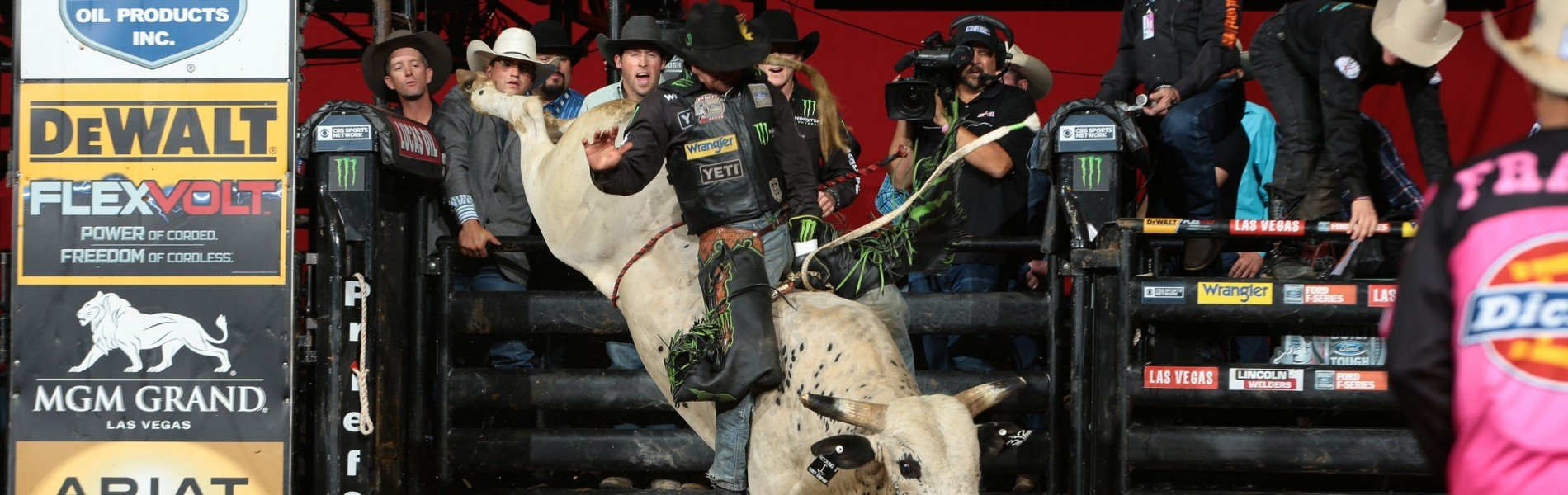 Chase Outlaw rides Rocking I Rodeo Co's Jump Around for 86 during the second round of the Tucson Built Ford Tough series PBR