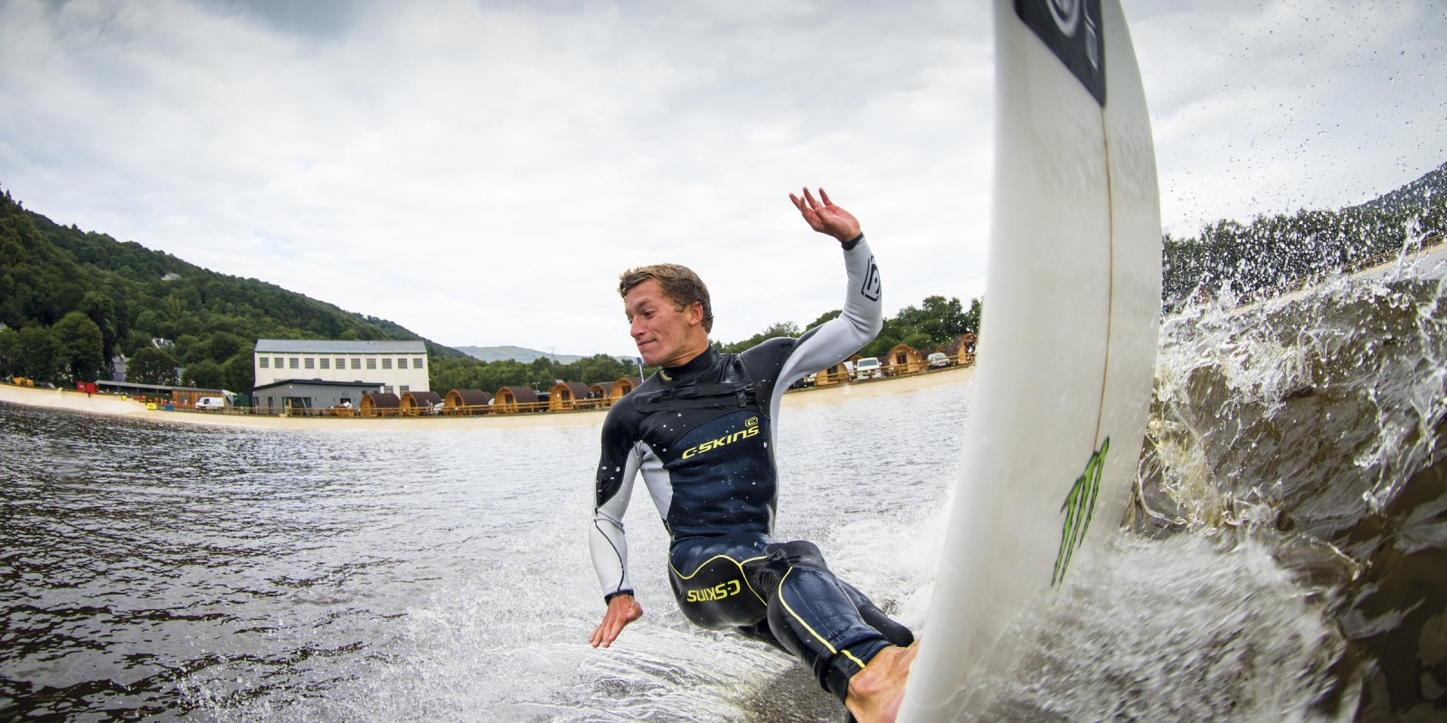 Jobe Harriss wIns competition in Surf Snowdonia