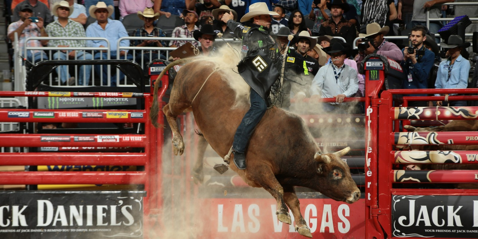 Guilherme Marchi rides Curtis Mendell's Red Rover for 87.5 during the Championship round of the Built Ford Tough series PBR World Finals.