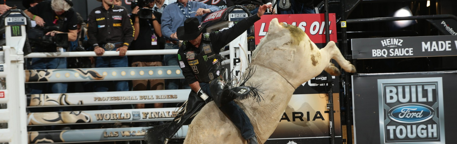 Guilherme Marchi attempts to ride Shippy/Tricker's Polar Vortex during the first round of the Built Ford Tough series PBR World Finals.