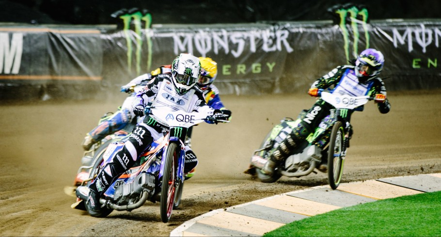Images from Melbourne as Greg Hancock seals his fourth speedway world title