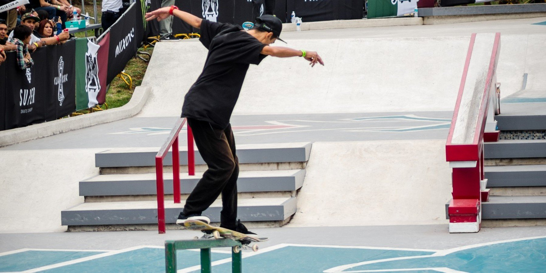 Monster Energy athlete in the best latin skate competition
