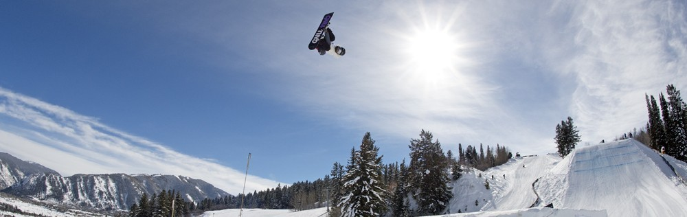 Jamie Anderson Takes Silver in Women's Snowboard Slopestyle at X Games Aspen 2017
