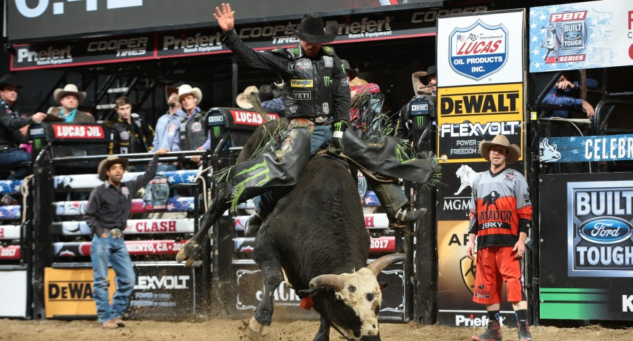 Chase Outlaw ride Dakota Rodeo/Chad Berger/J.R. Scott's Thunderstruck for 87 during the third round of the Sacramento Built Ford Tough series PBR