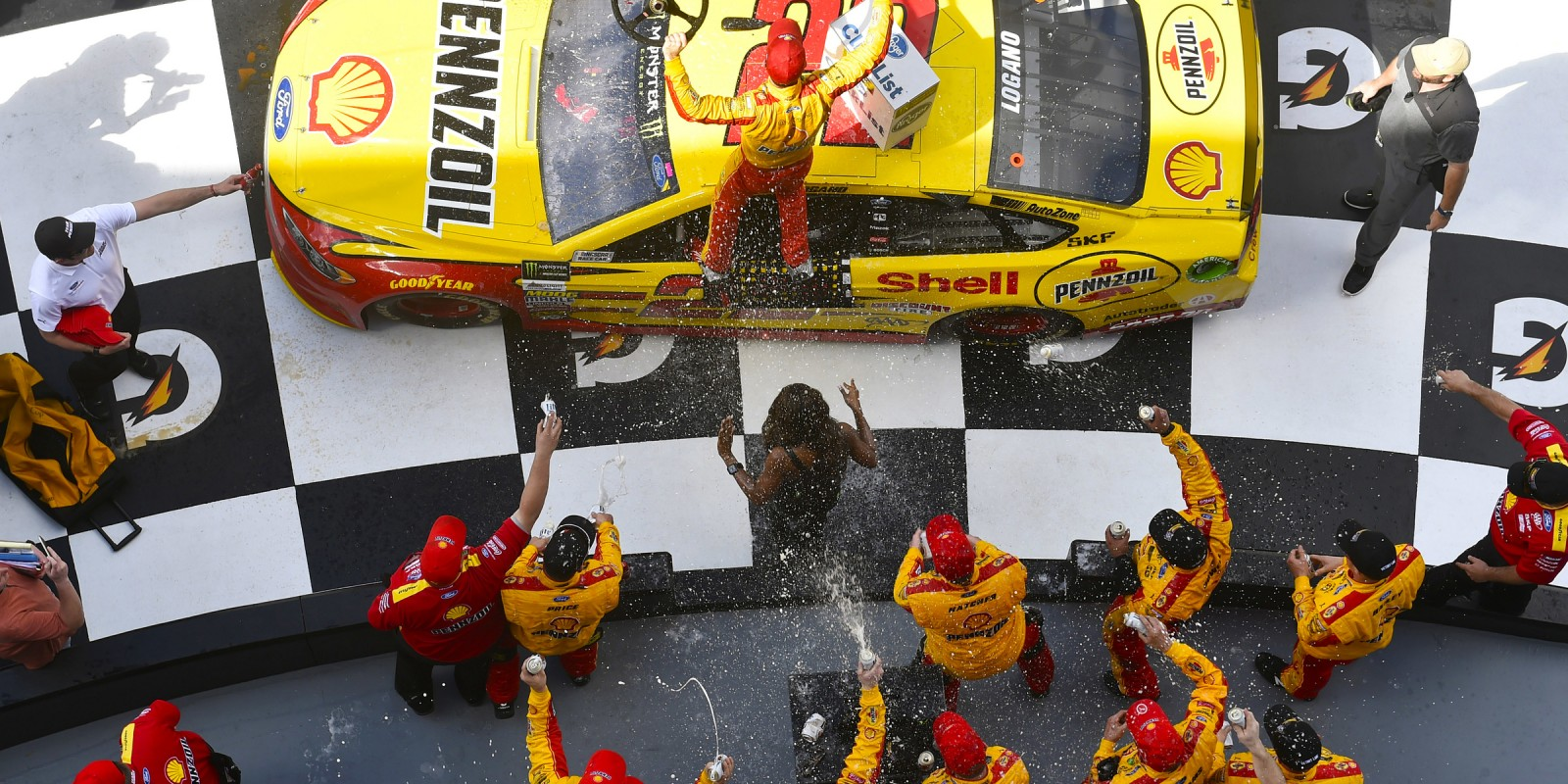Joey Logano takes 1st place in the 2017 Monster Energy Nascar Cup Series opener at Daytona Florida Keywords