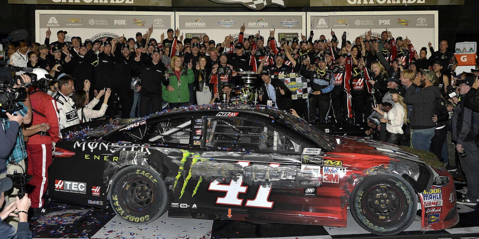 Kurt Busch kicks off the Monster Energy Cup Series with the checkered flag at the Daytona 500