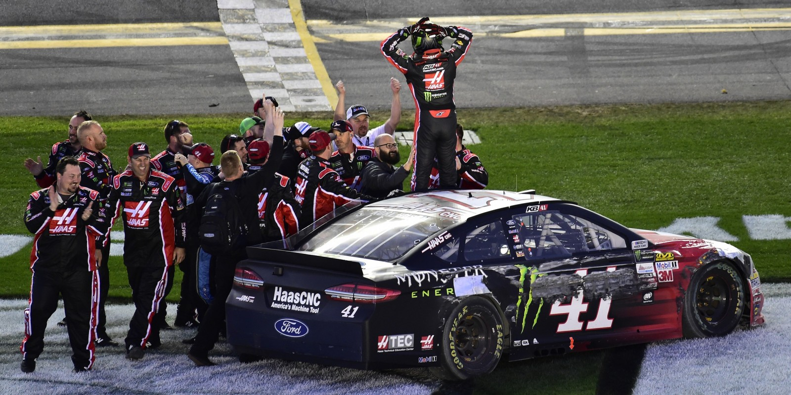 Kurt Busch kicks off the Monster Energy Nascar Cup Series with the checkered flag at the Daytona 500