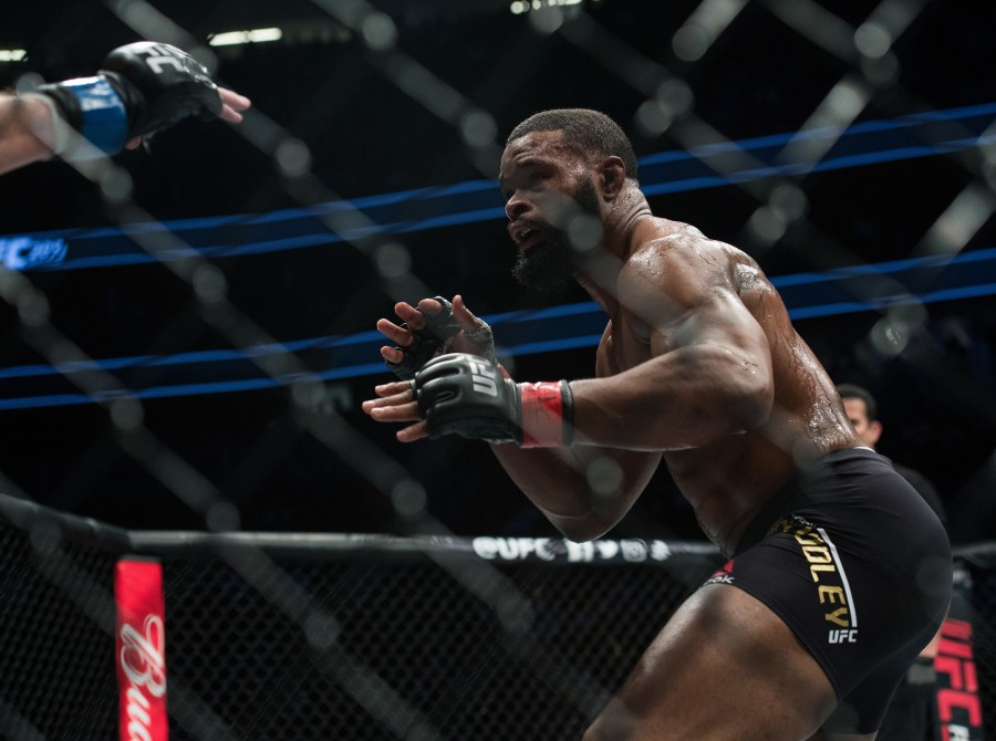 (R-L) Tyron Woodley circles Stephen Thompson in their welterweight championship bout during the UFC 209 event at T-Mobile arena on March 4, 2017 in Las Vegas, Nevada