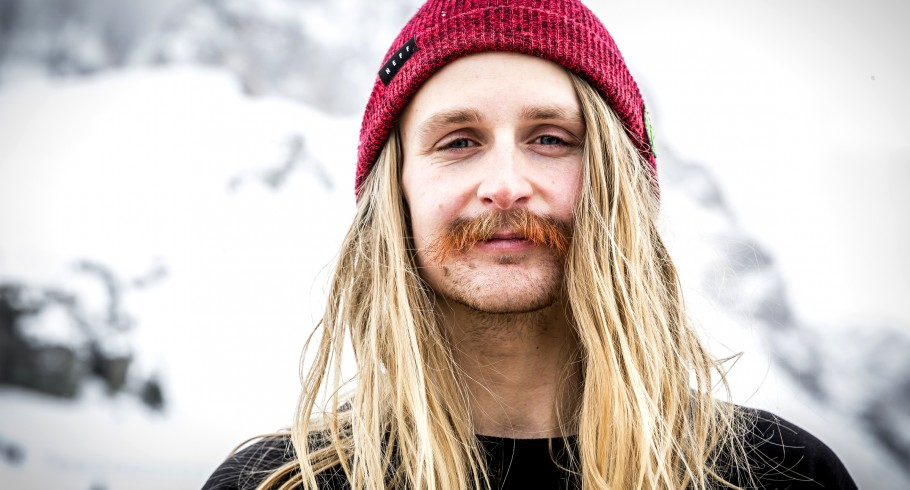 Halldor in Searching For snowboard movie