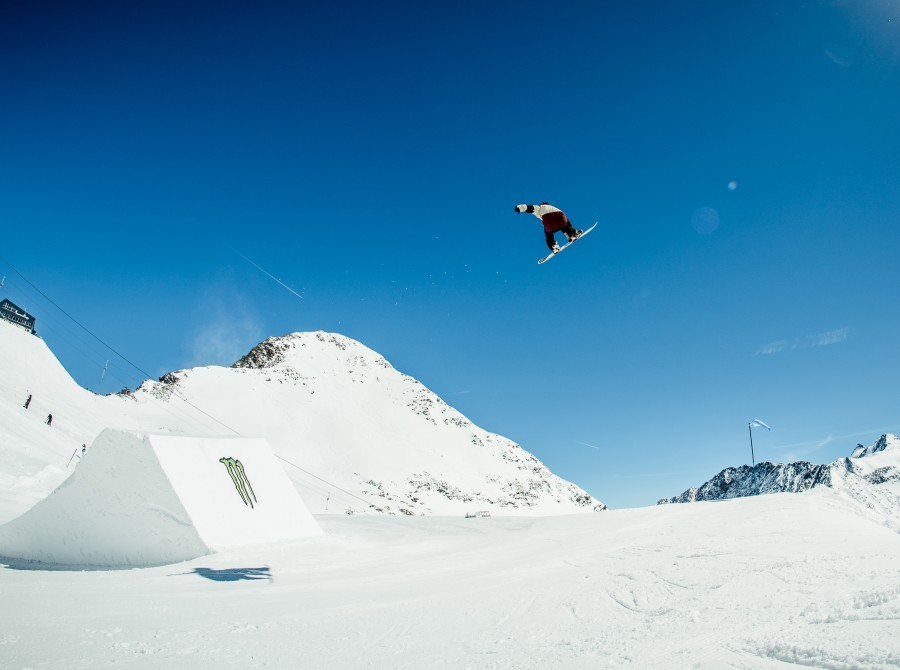 "Ethan Morgan at ""Ring the Bell"" Spring Session in Stubai."