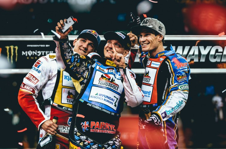 Warsaw SGP Freddie lindgren celebrates on the podium