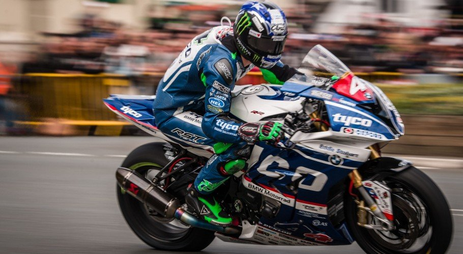 Images from the 2017 RL360 Quantum Superstock TT