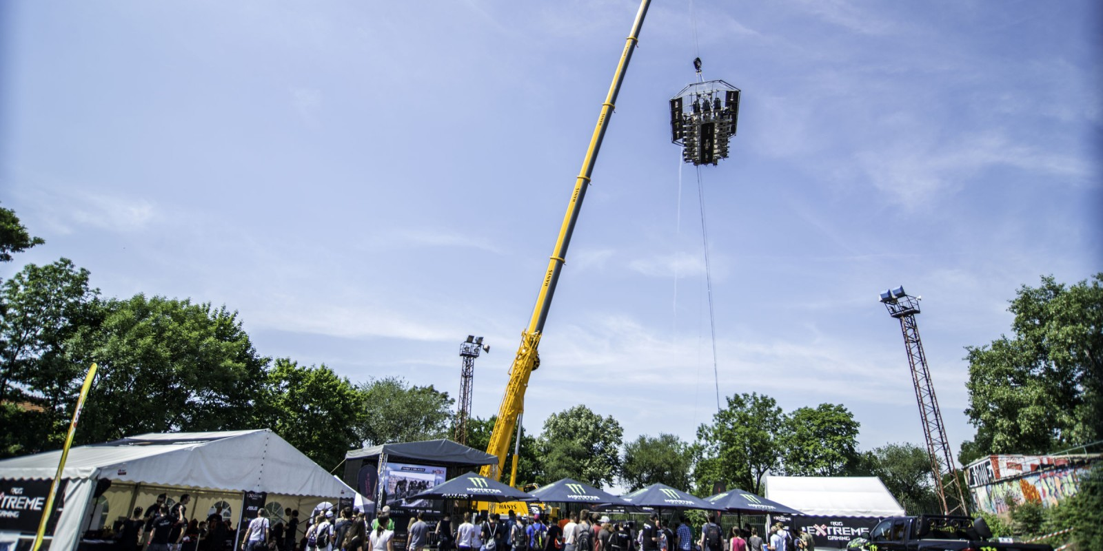 ROG Extreme Gaming is a gaming event taking place on a platform haning on a crane above the city