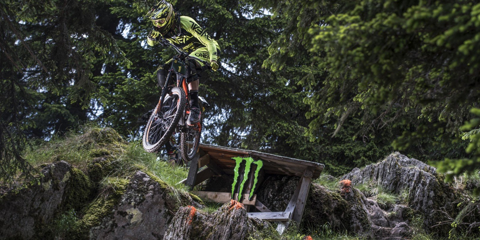Strong start of the season for Stivian Gatev at Pamporovo Bike Fest 2017
