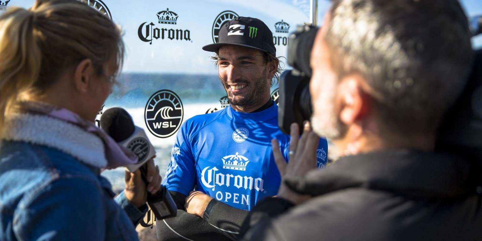 Frederico Morais competing at the J-Bay Open.
