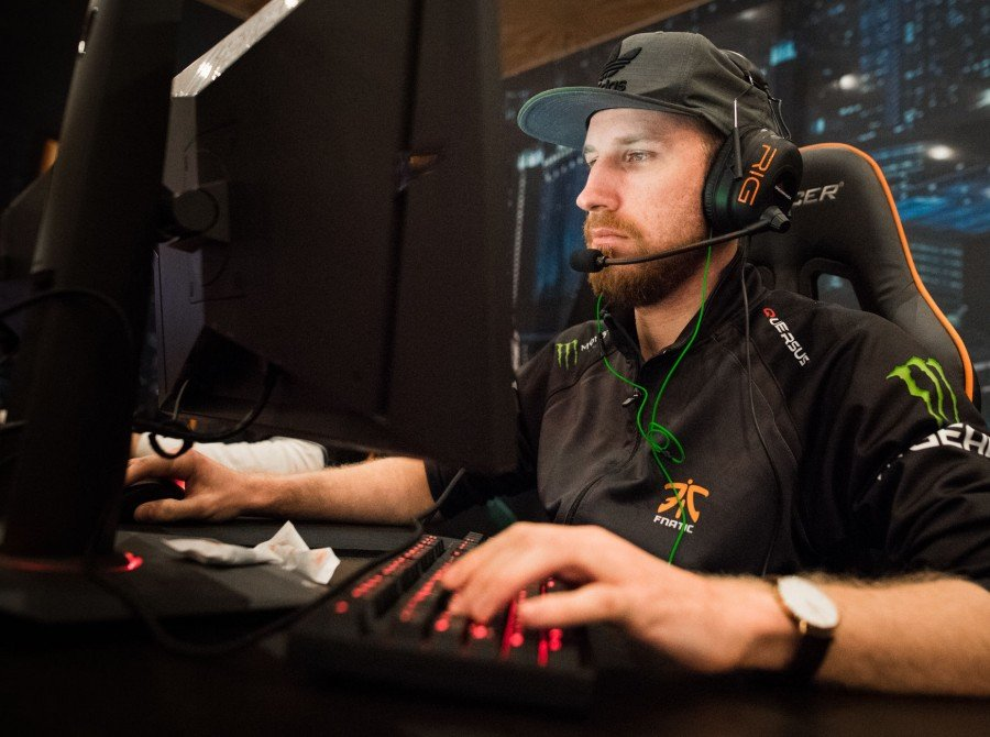 CS:GO Tournament held at the prestigious MGM Grand Hotel in Las Vegas. We had Fnatic, IIJERiiCHOII, and Tim the Tat Man onsite playing and doing autographs.