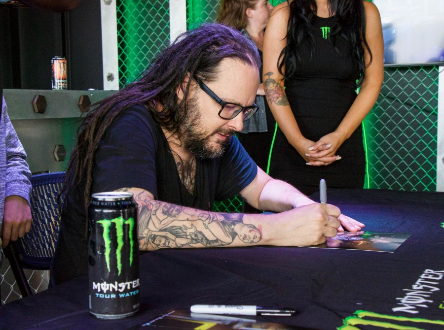 Korn signing Chicago Open Air