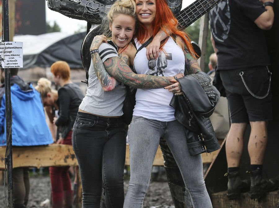 Anne Lindfjeld and Christina Pitronaci Schrøder danish ambassadors at the Wacken in Germany. Enjoying the festival. Product shoots with Ultra White and Citron.