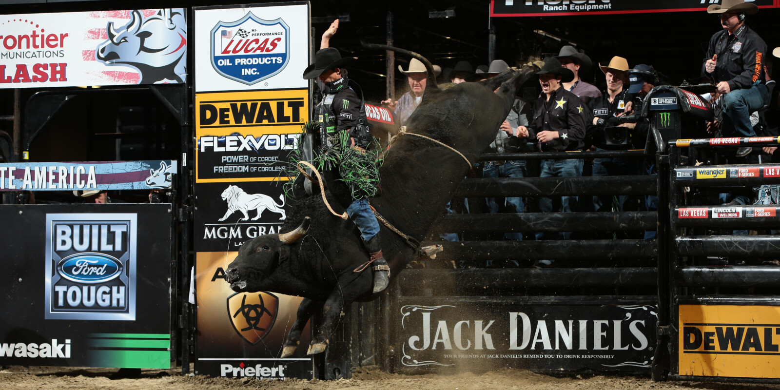 JB Mauney rides D&H Cattle/Barthold/Gordon/Dunn/Duckwall's All Aboard for 87 during the second round of the Sacramento Built Ford Tough series PBR