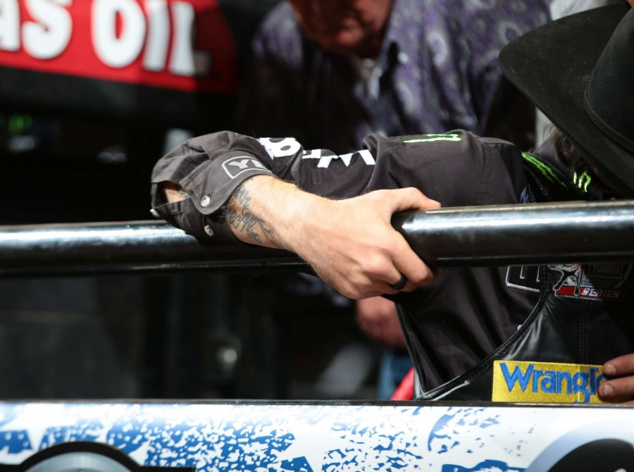 JB Mauney in the chute during the second round of the Sacramento Built Ford Tough series PBR