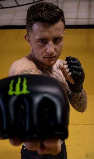 James Gallagher preparing for fight.