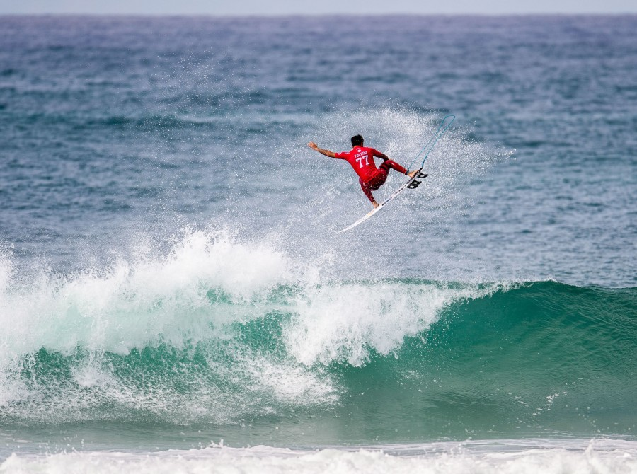 There's a place in France where the suited surfers dance; there's a hole in the web where the fans can watch them shred. Sorry, that was bad. We just love this time of year! This place on earth! World-title races! Fall! France! The first event of the Euro