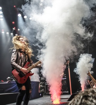 Live pictures of Merel Bechtold performing with Delain at Hedon, Zwolle
