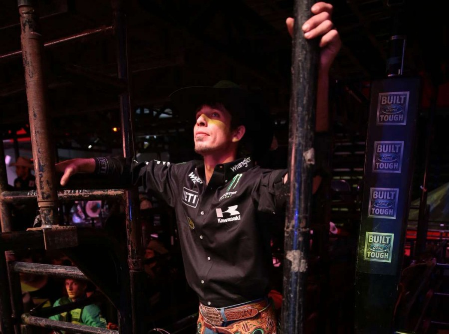 JB Mauney in the opening during the first round of the Sacramento Built Ford Tough series PBR