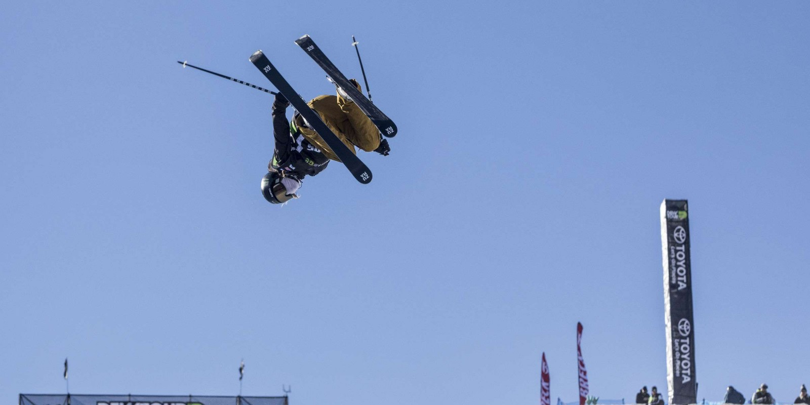 Friday images from Ski Pipe contest at Dew Tour 2017