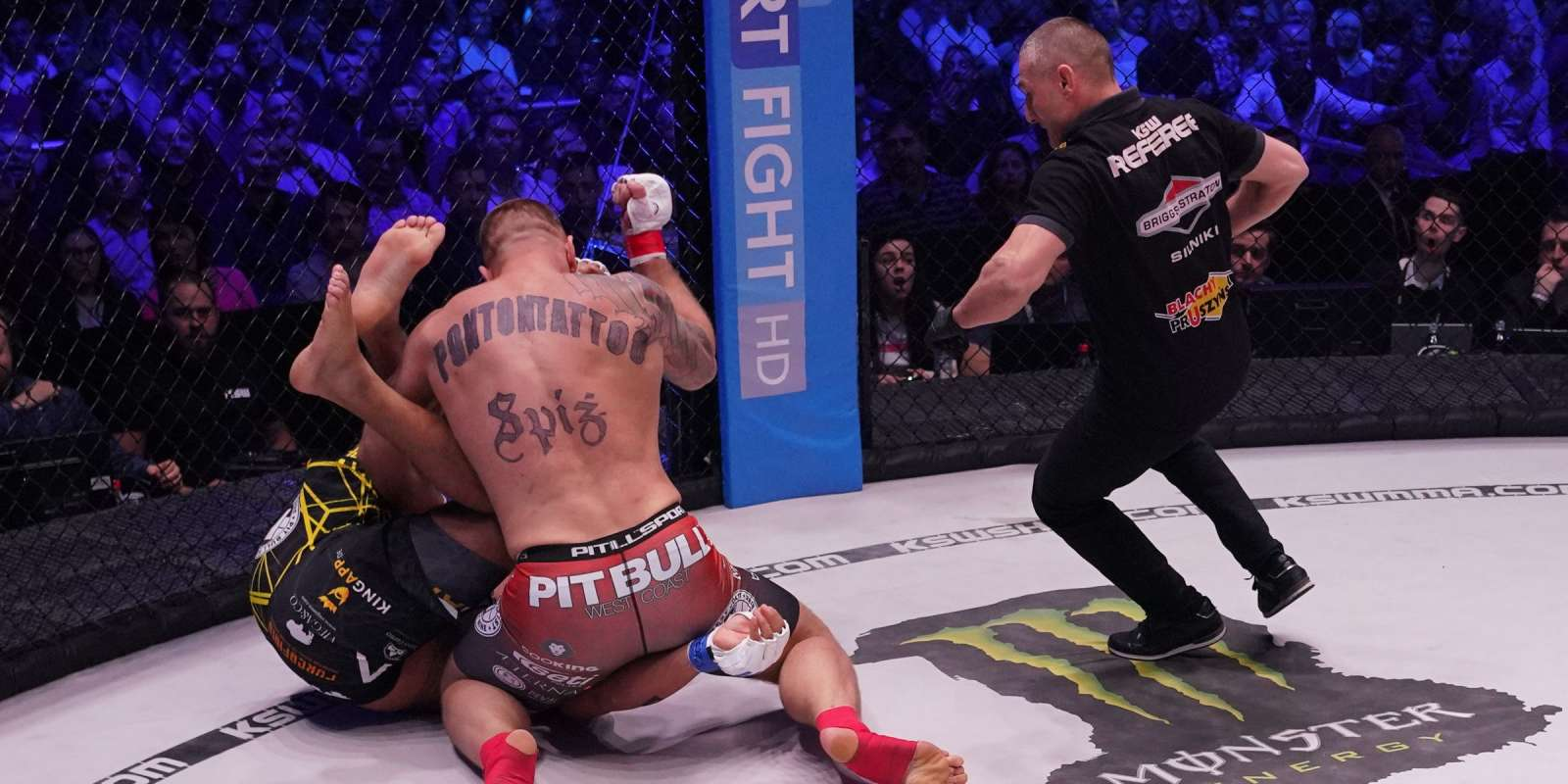 KSW 41 at Spodek in Katowice, Poland - fight / action picture - Michał Andryszak v Fernando Rodrigues Jr