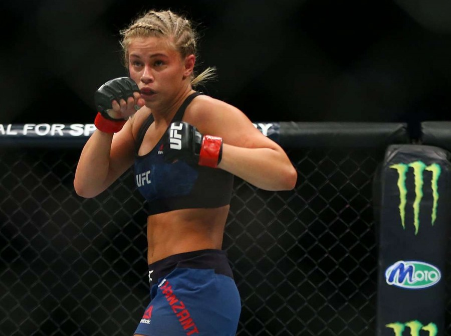 Paige VanZant fights Jessica-Rose Clark during the UFC Fight Night event inside the Scottrade Center on January 14, 2018 in St. Louis, Missouri.
